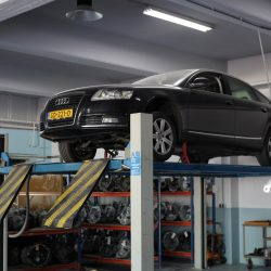 Audi auto